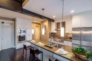 Kjokken-Modern-bright-clean-kitchen-85814201