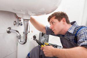 Rorlegger-Fixing-A-Sink-In-63627541